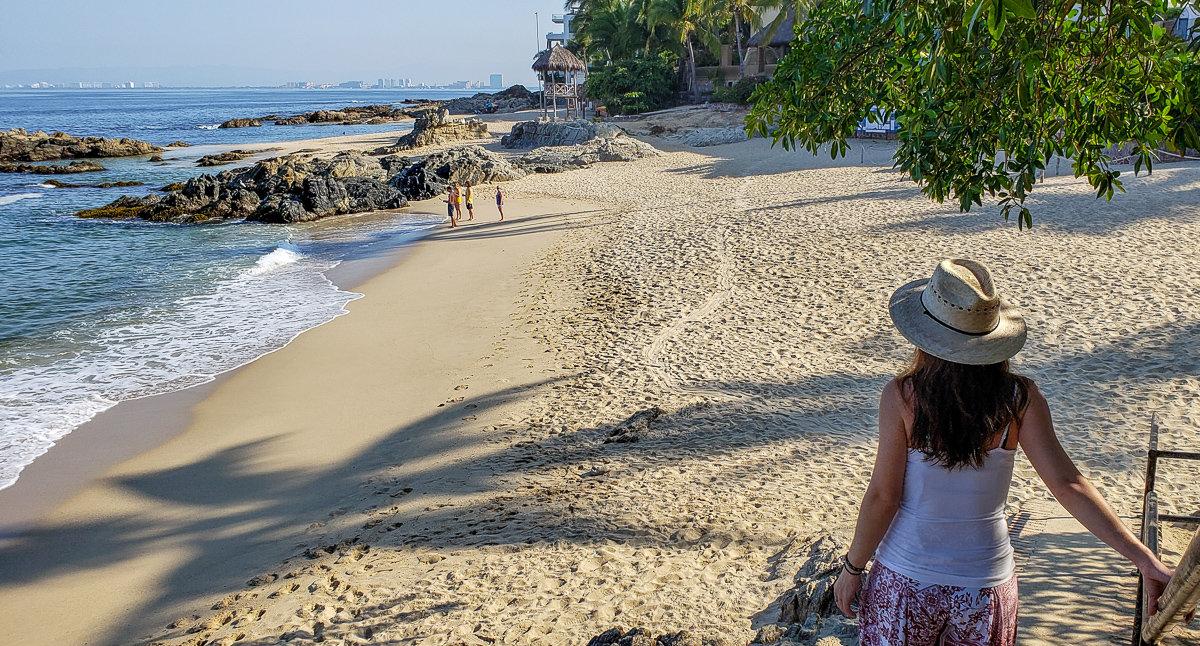 Entrance to Conchas Chinas Beach in Puerto Vallarta