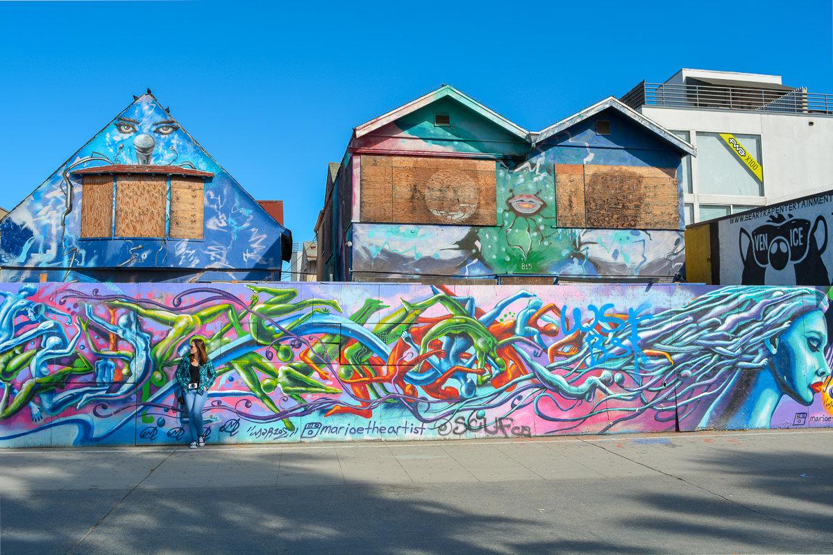 Street art on the Venice Beach Boardwalk