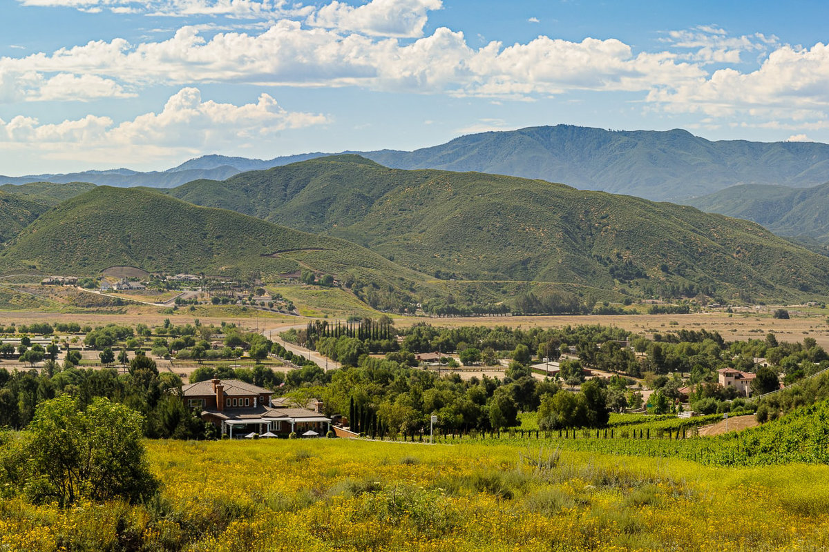 Overview of wine country in Temecula, California